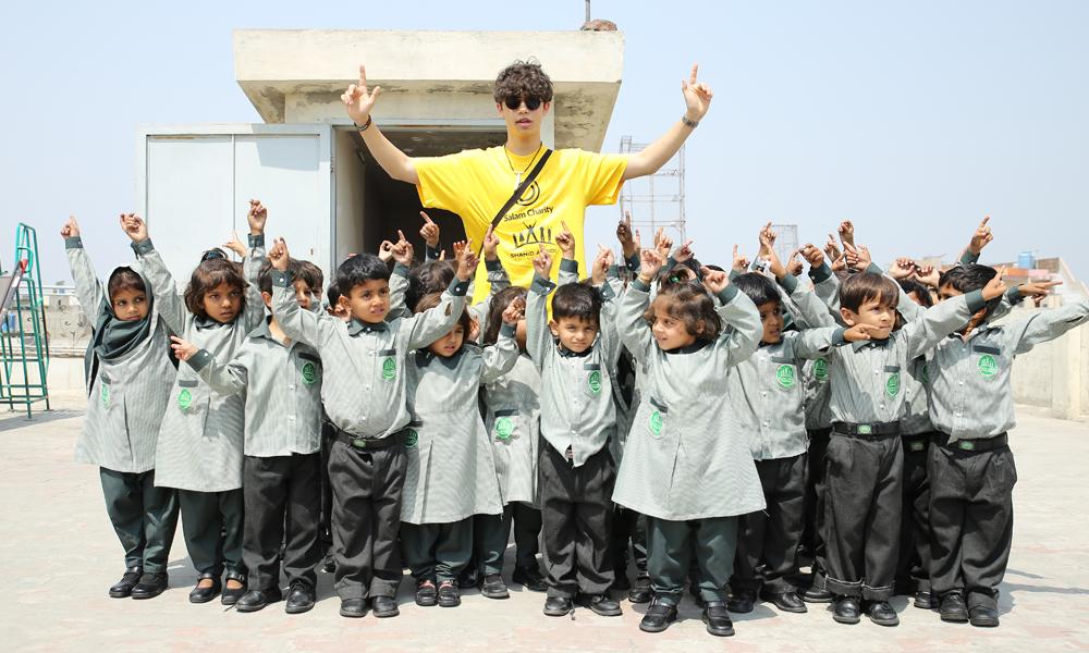 Harris J Visits Shahid Afridi in Pakistan
